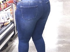 Thick black Cougar in jeans giving a show