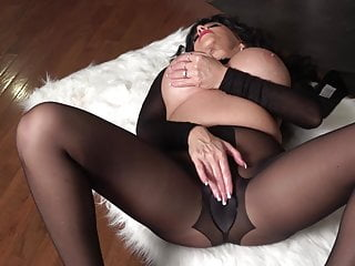 Raven Gets Her Pantyhose Pussy Wet