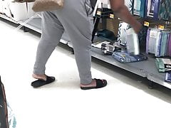Cougar hiding that Phat Donkey in the store (2)