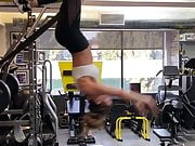 Kate Beckinsale working out upside down