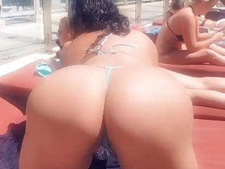 Toronto Escort Twerking By Pool