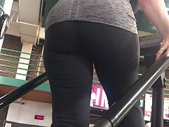 pawg gilf on stairmaster