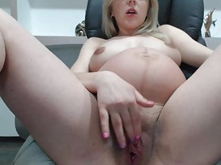Prego Babe With Big Pussy And Tits On Webcam -Deviant-